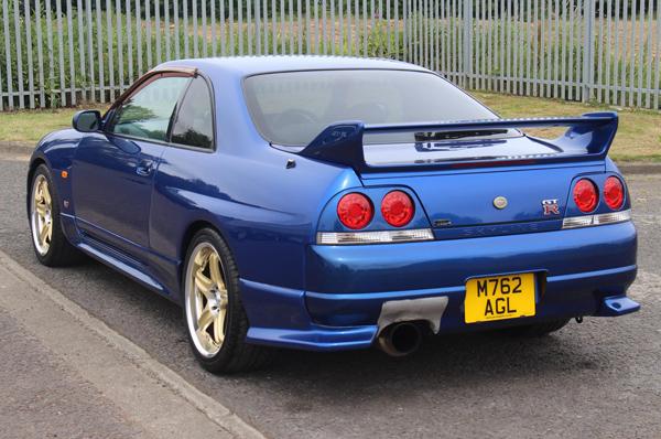 Nissan Skyline R33 GT-R (1995) - schräg hinten 1