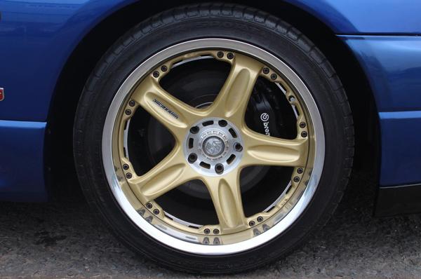 Nissan Skyline R33 GT-R (1995) - Tieferlegung und Felgen