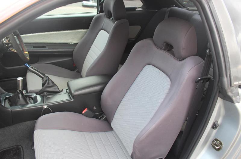 Nissan Skyline R34 GT-T (1998) - Innenraum 1
