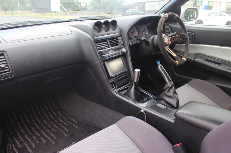 Nissan Skyline R34 GT-T (1998) - Innenraum 2