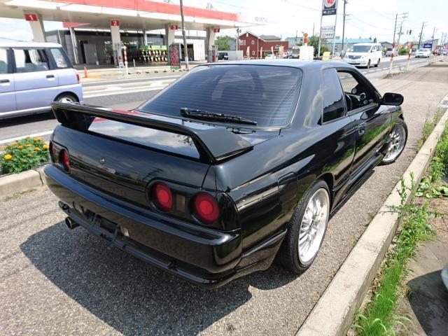 Nissan Skyline R32 GTS-T Type M (1992): Schräg hinten 1