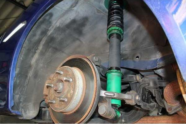 Nissan Silvia S15: Radkasten & Fahrwerk