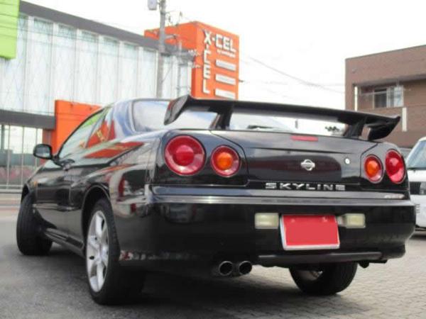Nissan Skyline R34 GT-T (1999): Schräg hinten 2