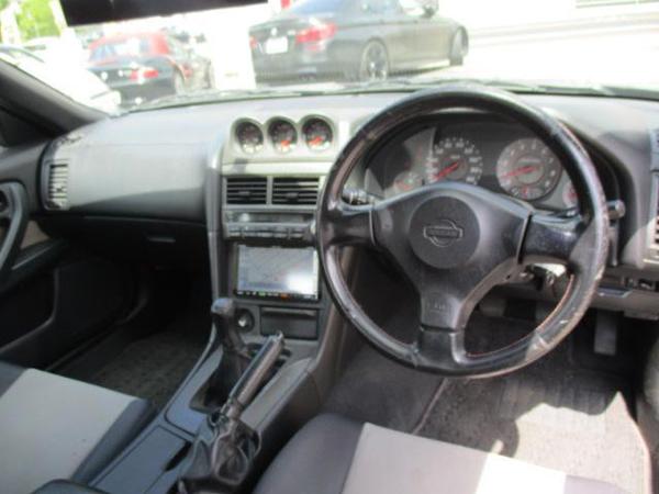 Nissan Skyline R34 GT-T (1999): Interieur 1