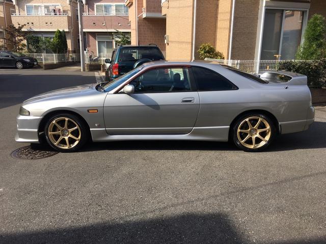 Nissan Skyline R33 GTS-T Type M (1996): Seitansicht