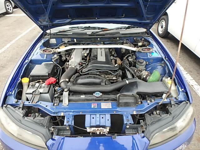 Nissan Silvia S15 Type R (2000): Motorraum