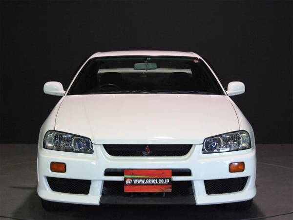 Nissan Skyline R34 GT-T (1998): Front
