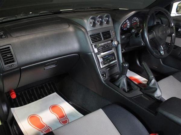 Nissan Skyline R34 GT-T (1998): Interieur 3