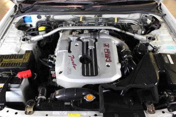 Nissan Skyline R34 GT-T (1998): Motorraum