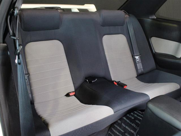 Nissan Skyline R34 GT-T (1998): Interieur 5