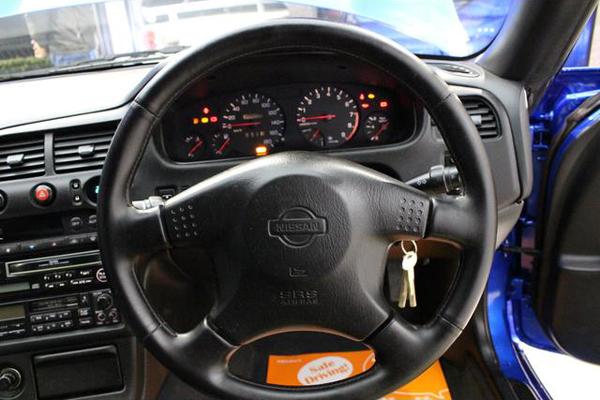 Nissan Skyline R33 GTS-T Type M Anniversary (1997): Interieur 1
