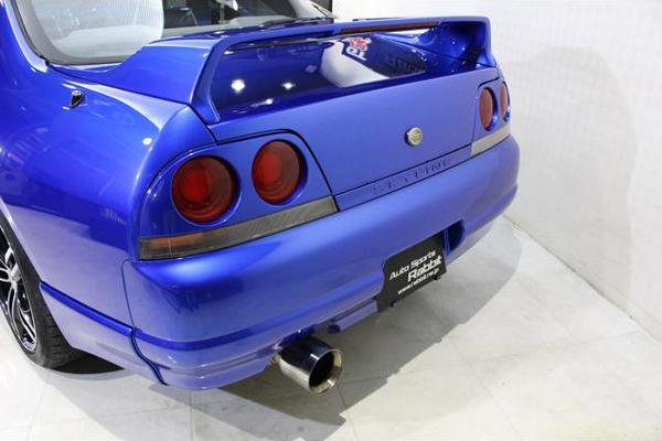 Nissan Skyline R33 GTS-T Type M Anniversary (1997): Schräg hinten 2