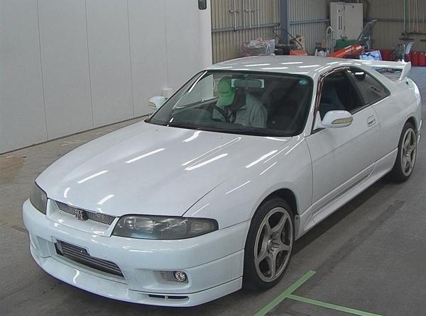 Nissan Skyline R33 GT-R V-Spec (1995) HKS: Front 2
