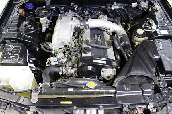 Nissan Skyline R33 GTS-T Type M Spec 2 (1996): Motorraum 1