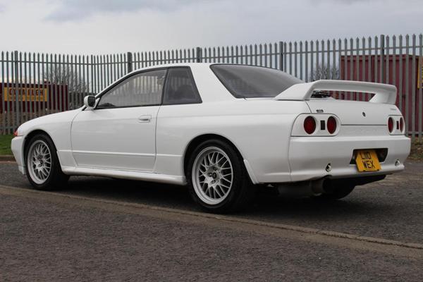 R32 GT-R V-Spec: hintere Schrägansicht 1