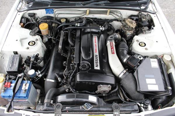 R32 GT-R V-Spec: Motorraum 1