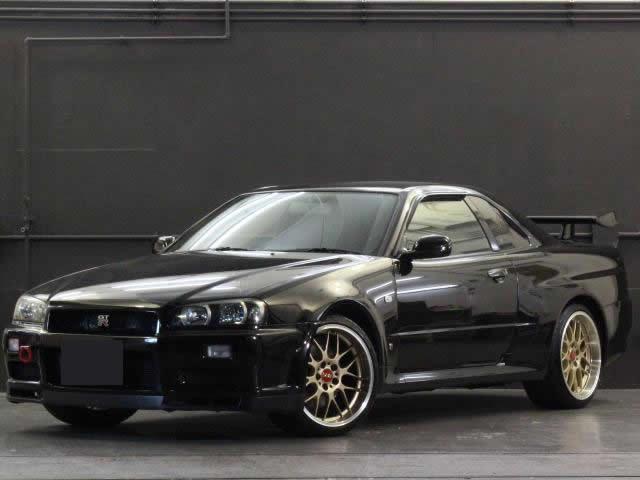 Nissan Skyline R34 GT-R 300PS+ (1999): Vorne schräg 1