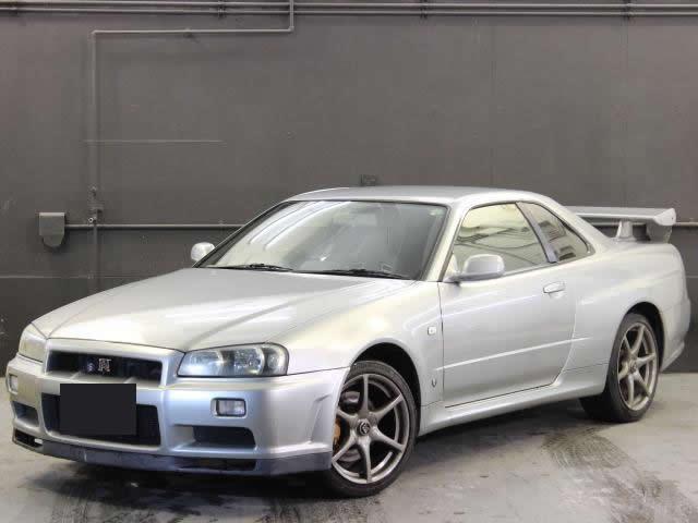 Nissan Skyline R34 GT-R (1999): Schräg vorne 1