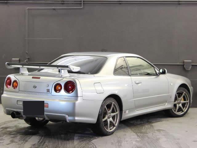 Nissan Skyline R34 GT-R (1999): Schräg hinten 2