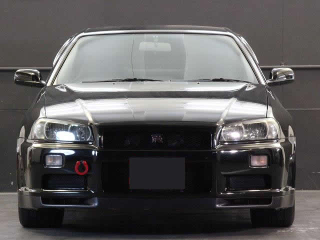 Nissan Skyline R34 GT-R 300PS+ (1999): Front