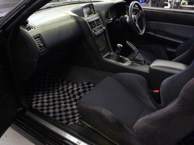 Nissan Skyline R34 GT-R 300PS+ (1999): Interieur 3