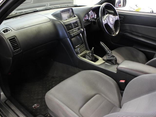 Nissan Skyline R34 GT-R (1999): Interieur 3