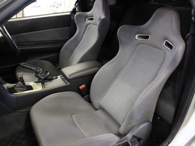 Nissan Skyline R34 GT-R (1999): Interieur 5