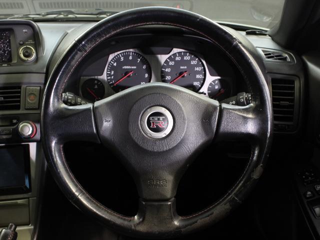 Nissan Skyline R34 GT-R (1999): Interieur 1