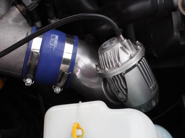 Nissan Skyline R34 GT-R 300PS+ (1999): Motorraum 3