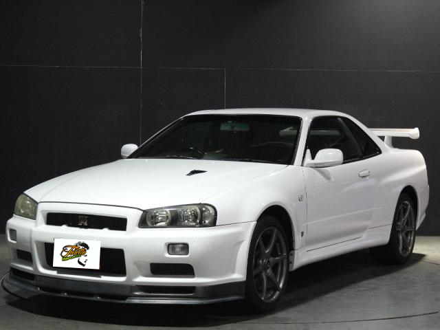 Nissan Skyline R34 GT-R_1999_201801: Schräg vorne 1