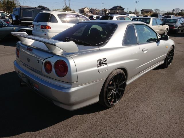 Nissan Skyline R34 GT-T: Heck 1