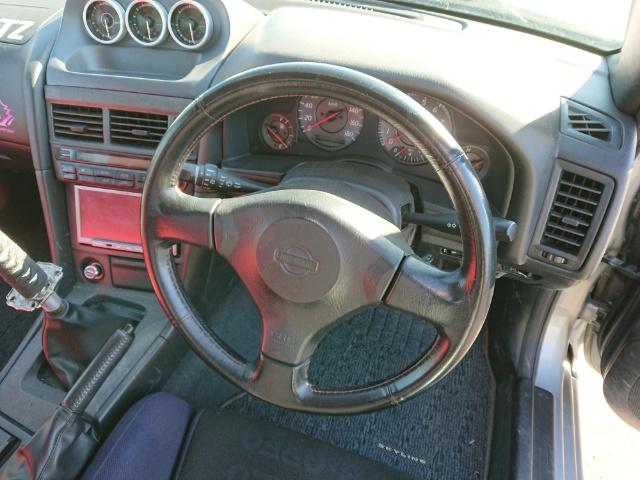 Nissan Skyline R34 GT-T: Innenraum 2