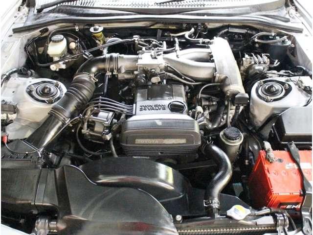 Toyota Supra MKIV Non Turbo_Motorraum